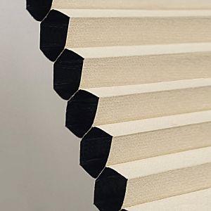 Plissegardin betjenes med håndtak, Lystett dobbel tekstil.