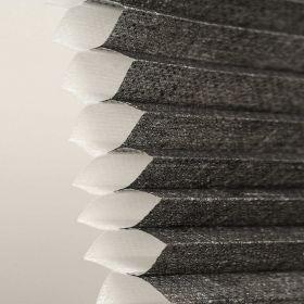 Plissegardin LUX betjenes med håndtak, Halv transparent dobbel tekstil.